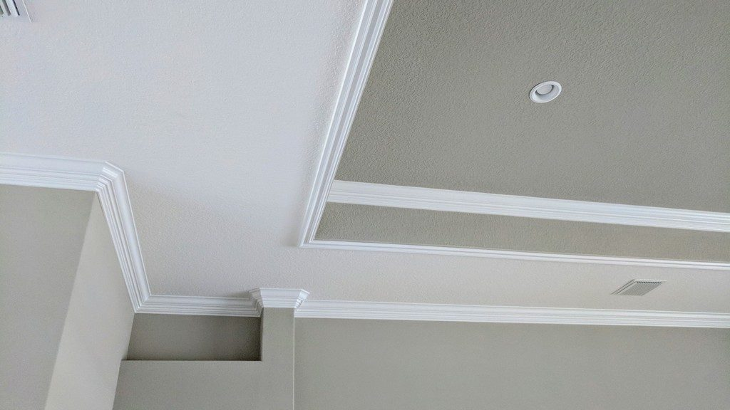 Crown Moulding 8101