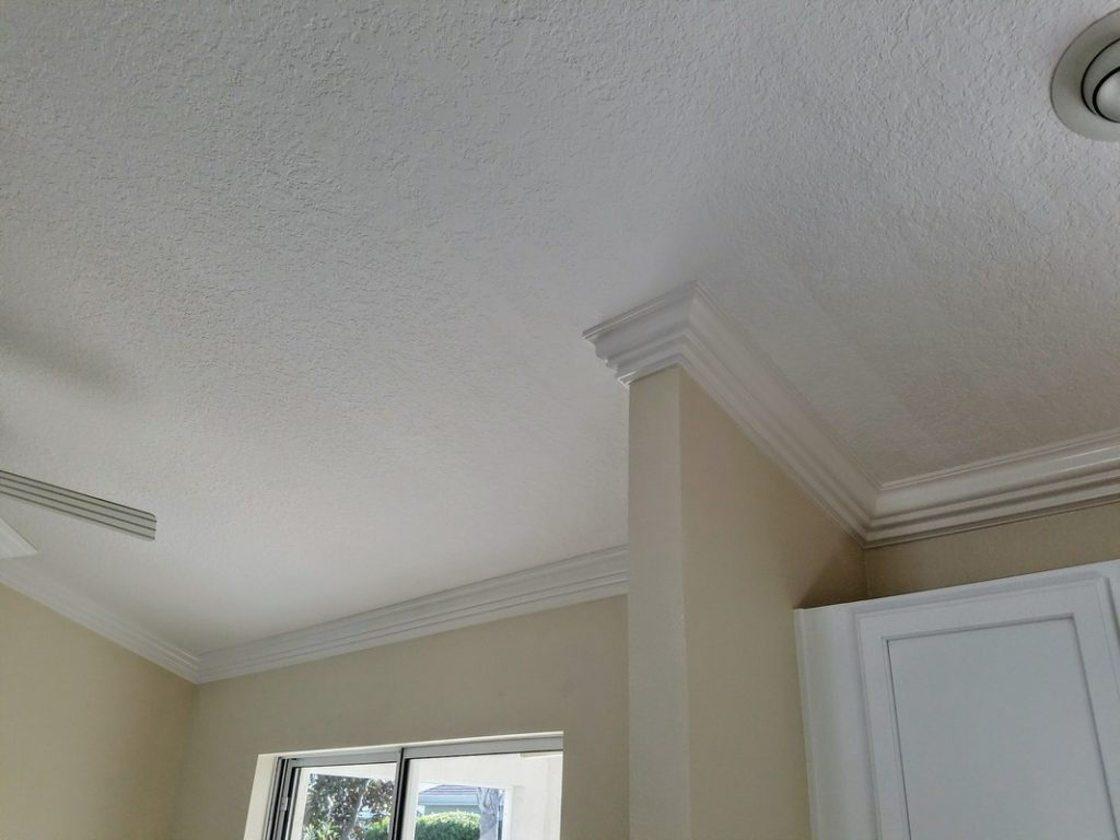 Custom-Crown-Moulding-Installation-in-The-Villages-30