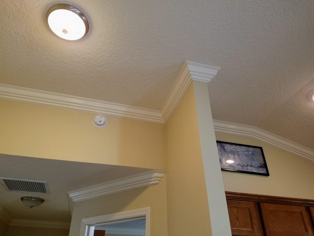 Custom-Crown-Moulding-Installation-in-The-Villages-33
