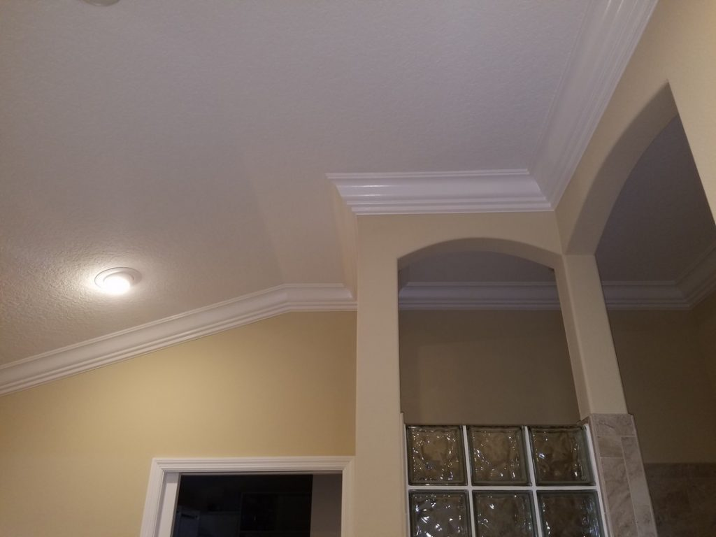 Custom-Crown-Moulding-Installation-in-The-Villages-36